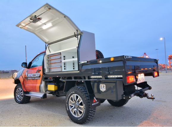 hilux back view box open