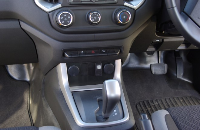 Holden Colorado 2012+ & 2017+ 3 Switch Panel
